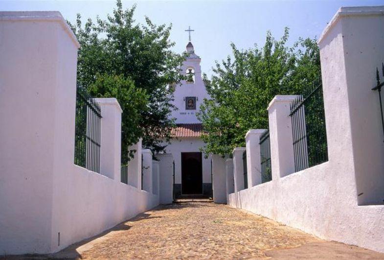 CENTRO PASTORAL CELIA MÉNDEZ (CONVENTO)
